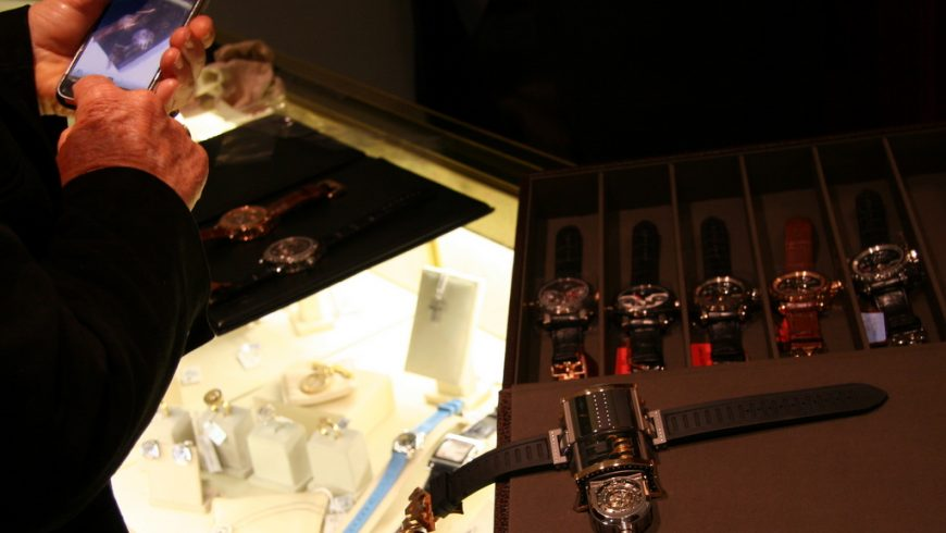 DeWitt Shines At The Glow Of Watch Dealer Shapur At San Francisco Replica Wholesale Center